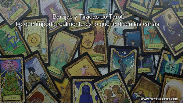 ¿Cómo afecta usar o no usar diferentes formatos de tirada del Tarot? ¿Y entre las diferentes barajas?